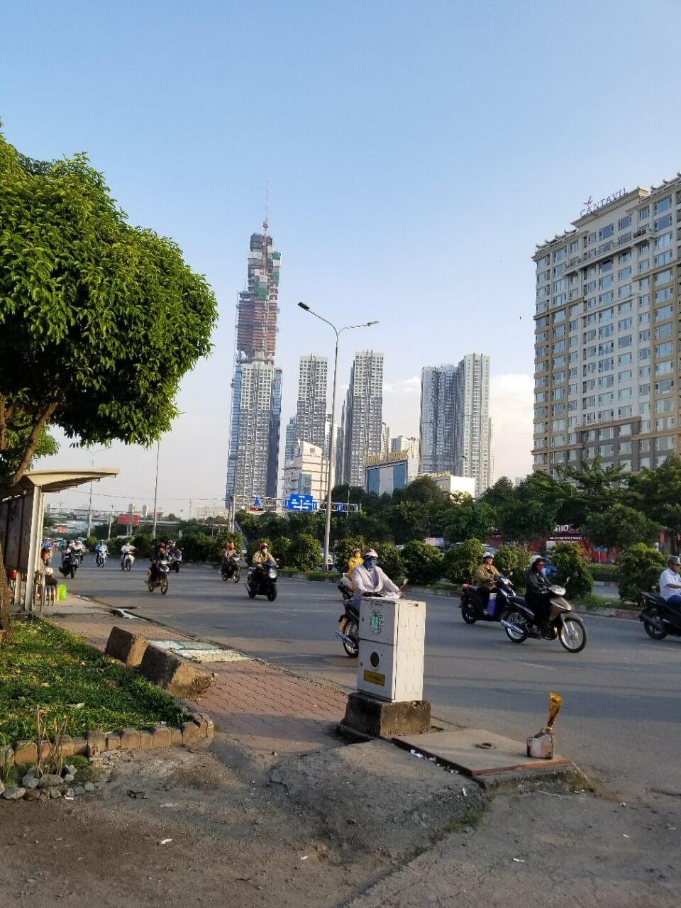 Hướng view chếch sang trái của dự án là VINHOME TÂN CẢNG
